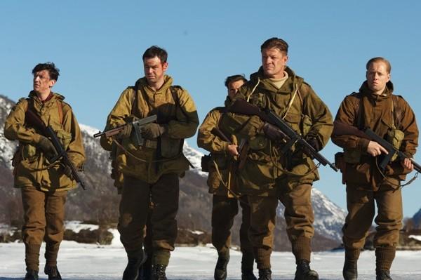Comando de Elite – Um Bom Filme de Ação com um Final Decepcionante