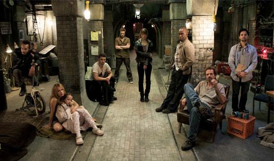 """O Abrigo (""""The Divide"""") - Um Filme Perturbador e Doentio sobre o Pior do Ser Humano  (3/6)"""